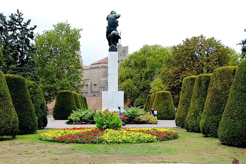 פסל מריאן פארק קלימגדן בלגרד