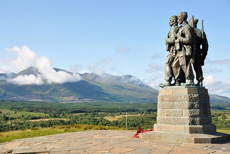 סקוטלנד: אנדרטת הזכרון לחיילי הקומנדו הבריטי