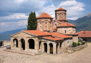 """כנסיית המנזר ע""""ש נחום הקדוש מאוכריד"""